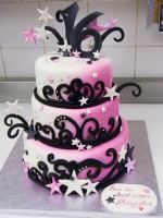 Sweet 16 cake by buttercreamfantasies