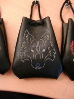 Wolf pouch by unreal-hunter