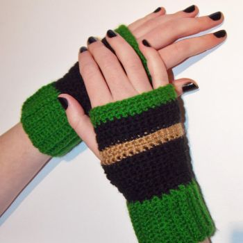 Crochet Loki Inspired Gloves by kawaiicute95