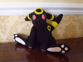 Umbreon Plush by KageShinobiKitsune