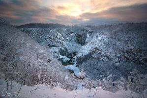 Plitvice in snow by ivancoric