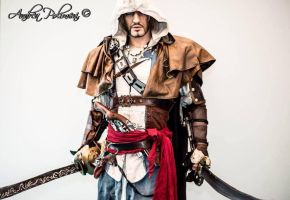 Edward Kenway AC IV 1:1 by Leon Chiro Cosplay Art by LeonChiroCosplayArt