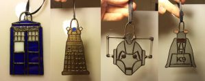 Doctor Who Ornament Alt 1.0 by DarkeVitrum