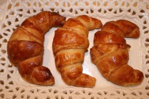 croissant by snaplilly