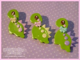 Cute Dino brooches by Irudisu