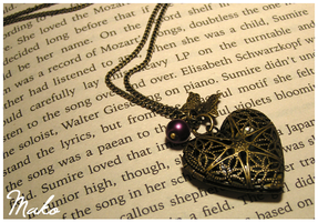Antique Heart Locket Necklace by Leviana