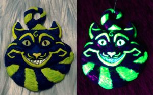 Blue and Yellow-Green UV Cheshire by Cehualli