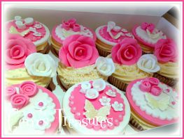 More Pretty Cupcakes! by gertygetsgangster