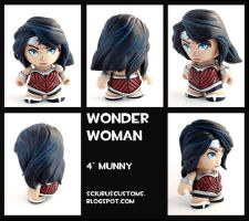 Wonder woman munny by FlyingSciurus