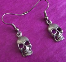 Pewter Skull Earrings by BastsBoutique