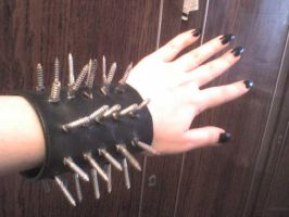 Nails Bracelette by judgelinch
