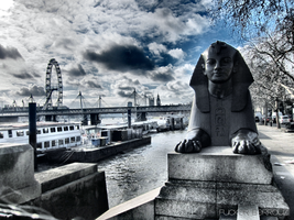 Sphinx of the Thames by FuckerBerrouz