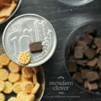 1:12 scale dollhouse miniature sandwich biscuits by Snowfern