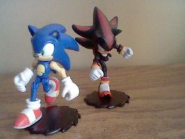 Sonic and Shadow by SpongeDudeCoolPants
