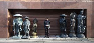 Living statue in Tokyo by nikonforever