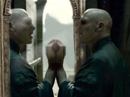 Voldy on mirror of erised by hellmancrow