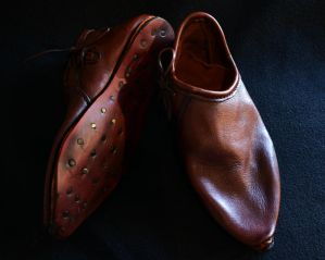 Medieval leather shoes by Zidra