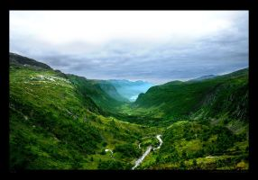 Norwegian Valley by tlz