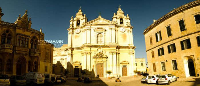 Mdina Cathedral Pano by MaNkIbOwN