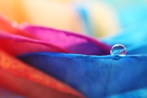 Rainbow droplet by aoao2