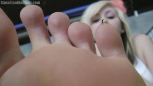 Micro Sized On Aurora's Little Toe by GiantessFantasy