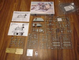 1/35 Trumpeter Soviet Armoured Aerosan  Contents by enc86