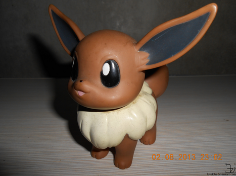 Eevee toy from 1999 _ photo by K4nK4n
