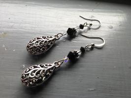 Onyx Drop of Filigree Swirls by NikidaEve