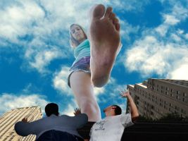 giantess by gtsw21
