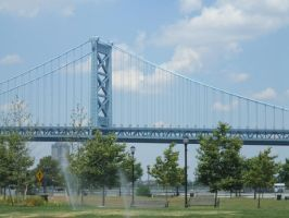 Ben Franklin Bridge by ebonycalypso