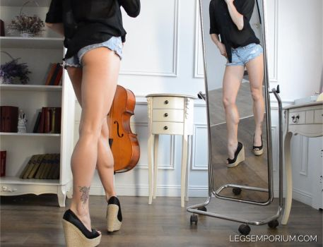 Amazing Legs Double Shot with Kaylee - LE by LegsEmporium