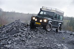 Land Rover Defender by diddylux