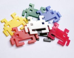 Space Invader plastic necklace by milkool