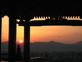 Sunset though the shrine by deleriumsedge