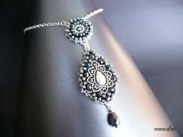 Tsarina pendant by moonsafaribeads