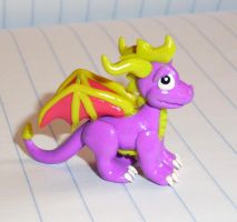 Spyro the Dragon Figurine by happysquidmuffin