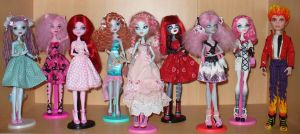 My Monster High dolls, mostly rewigged or trolled, by redmermaidwerewolf