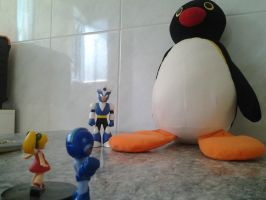 Attack on Pingu by Carol-aredesu