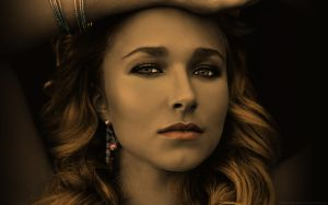 HaydenPanettiere by MooonShadow