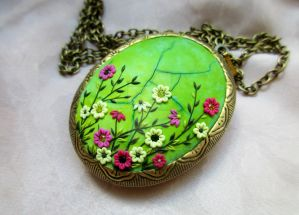 Vintage antique brass oval photo locket by LenaHandmadeJewelry