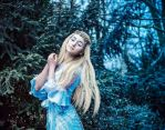 Snow maiden by Liyamoon