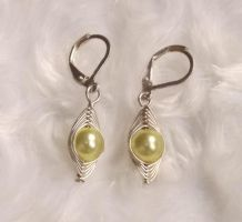 Simple light yellow earrings by rosnicka17