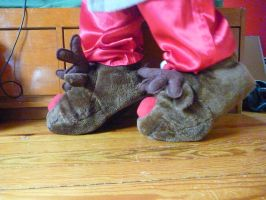 Reindeer Slippers, side by ExileLink