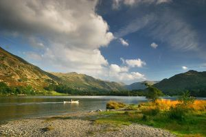 Canoe on Ullswater by kawardi