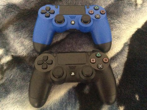 My PS4 Controllers by MrsSpyro01