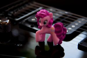 My little pony: In The Giant World by Uligma