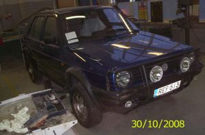 Volkswagen Golf Country by Orkekum