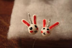 Cute bynny earrings by chiringo