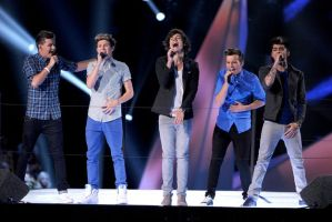 One direction at the VMAs 2 by Falloutdaylenne