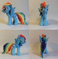 Rainbow Dash plush by TheGrillosLab